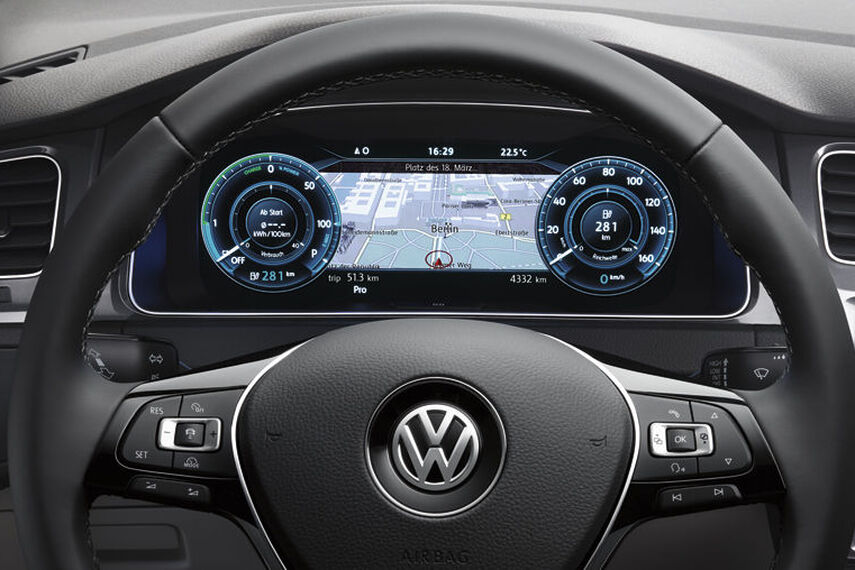 VW e-Golf - Active Info Display