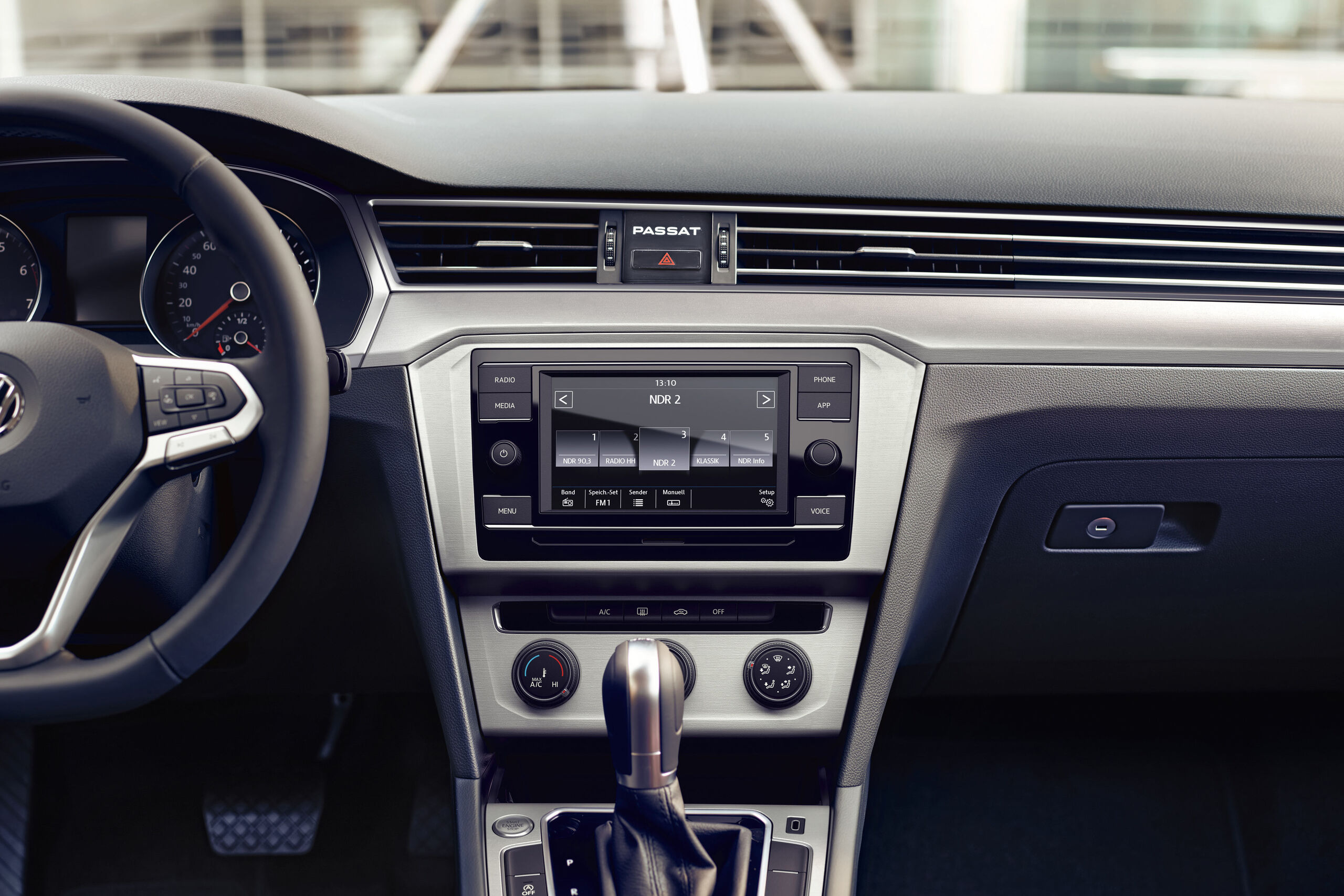 VW Passat Variant - rádio Composition